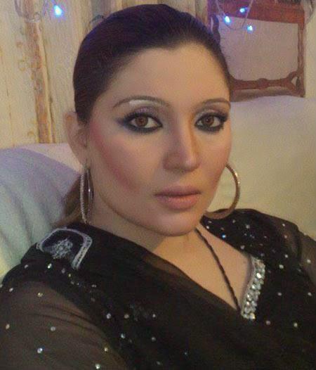 Hot Mujra: Khushboo Vip Nanga HD Mujra 2014