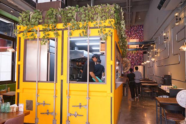 DSC00565 - 熱血採訪│瑪蒂廚房新開幕,工業風貨櫃屋搭配少女失心瘋的大花牆,還有咖啡飲料無限喝到飽