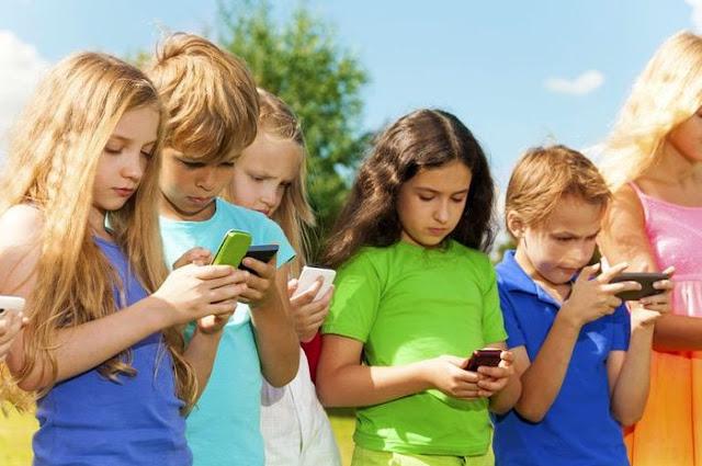 Bentuk komunikasi Sosial Adalah