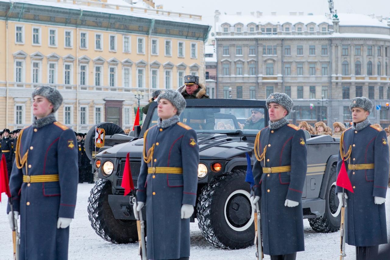 Военный Парад Памяти на Дворцовой площади Санкт-Петербурга