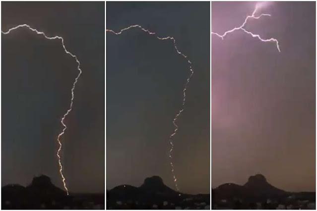Heboh, Sambaran Petir Membelah Batu Gunung di Arab Saudi
