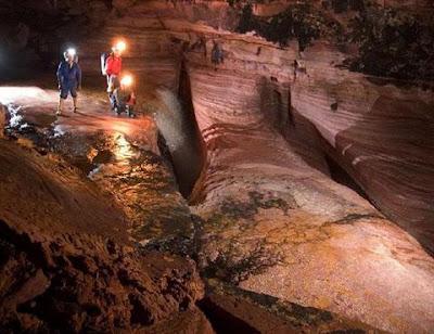 La Cueva de El Fantasma