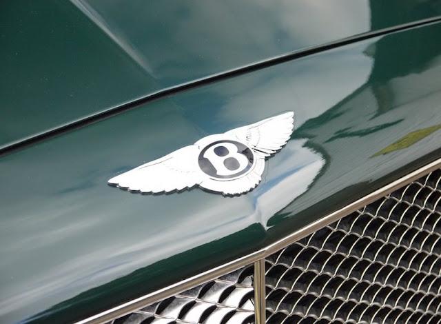 エリザベス女王が乗っていたベントレー・ミュルザンヌが中古車として販売され話題に。