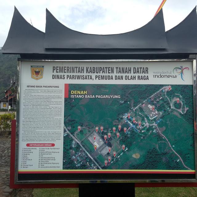 Berkunjung ke Istano Basa Pagaruyung