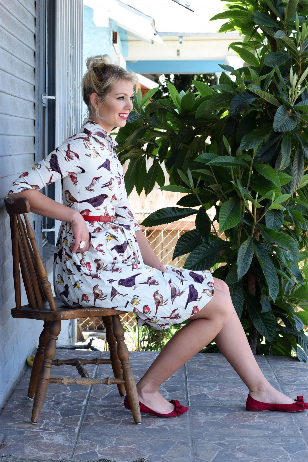 german blondy, why you should wear printed dresses, print dress, bird dress, zaful dress, bird, maxi dress, red dress, red shoes
