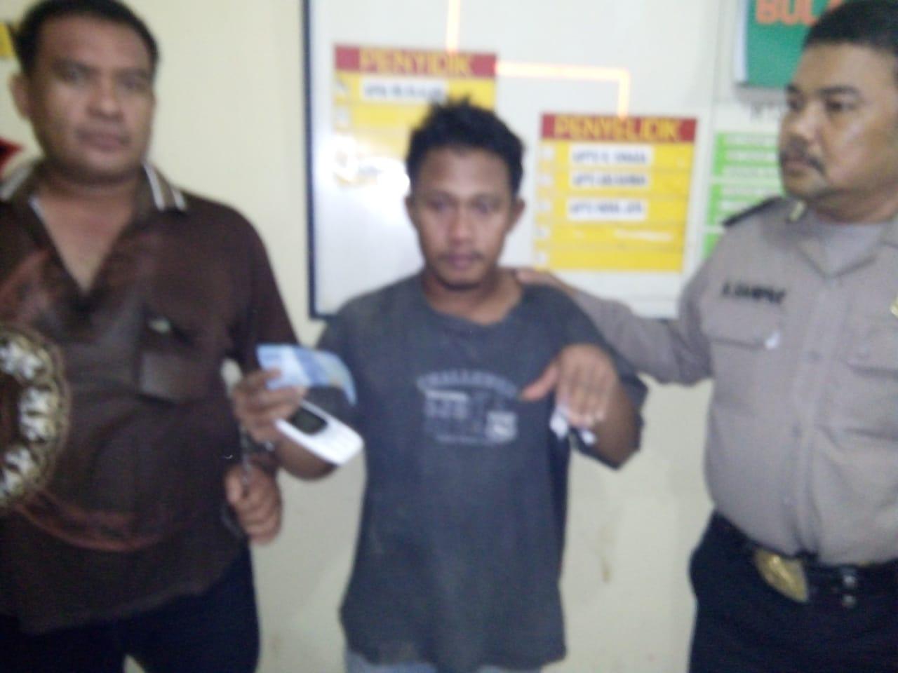 Tersangka narkoba asal Tanjungbalai yang ditangkap personel Poksek Air Batu.