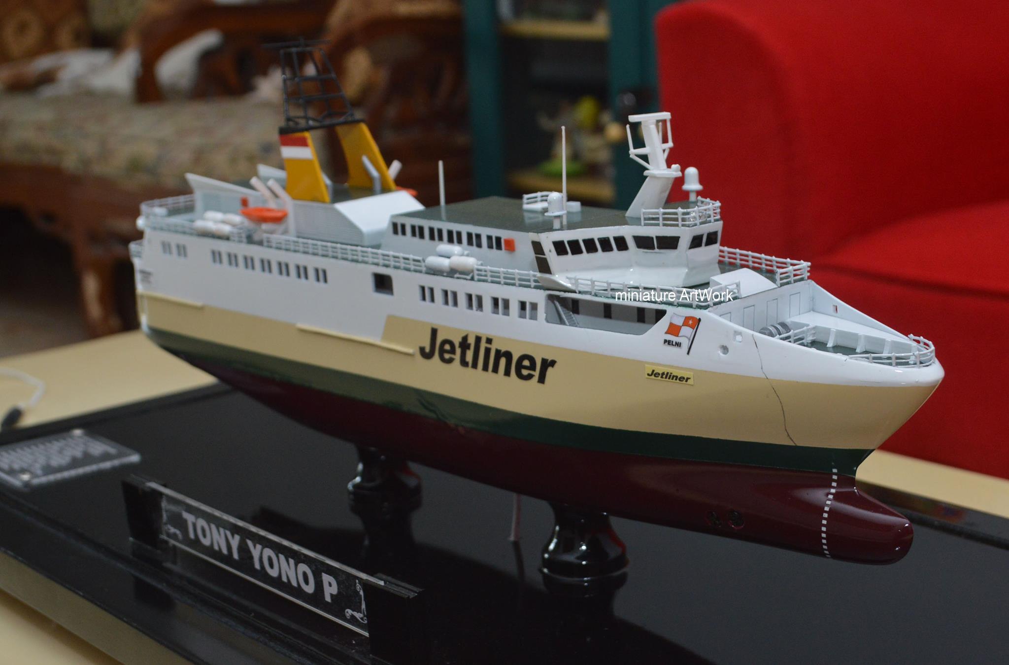 miniatur kapal kfc jetliner kapal ferry cepat milik pelni rumpun artwork planet kapal jakarta surabaya temanggung indonesia