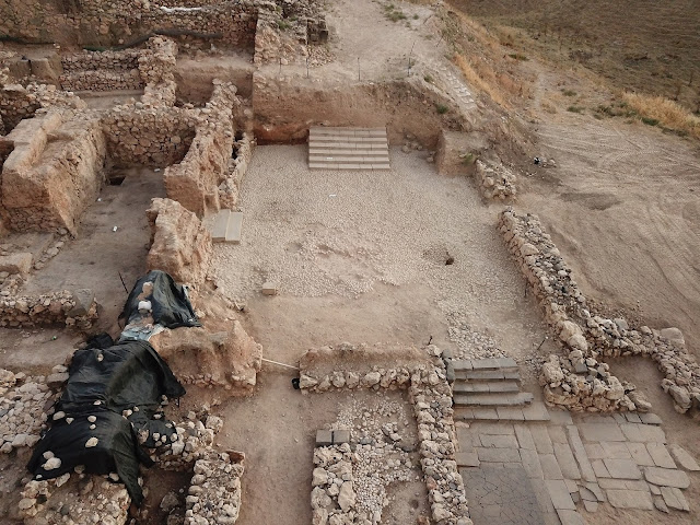 Israeli archaeologists discover 3,500-year-old Canaanite staircase