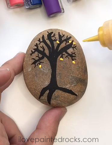 how to paint leaves on a rock with 3D paint