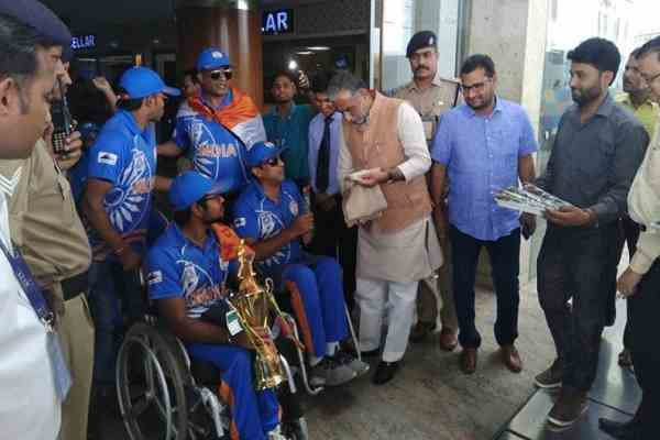 faridabad-mp-minister-krishan-pal-gurjar-welcome-divyang-cricket-team
