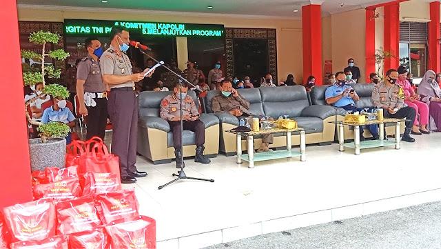 Sempena HUT ke-29, Alumni Akpol 1991 Bagikan Paket Sembako dan Hewan Kurban di Batam
