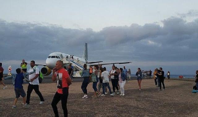 Video Pesawat Dievakuasi dan Penumpang Lari Ketakutan Gara-gara Prank Bocah 11 Tahun