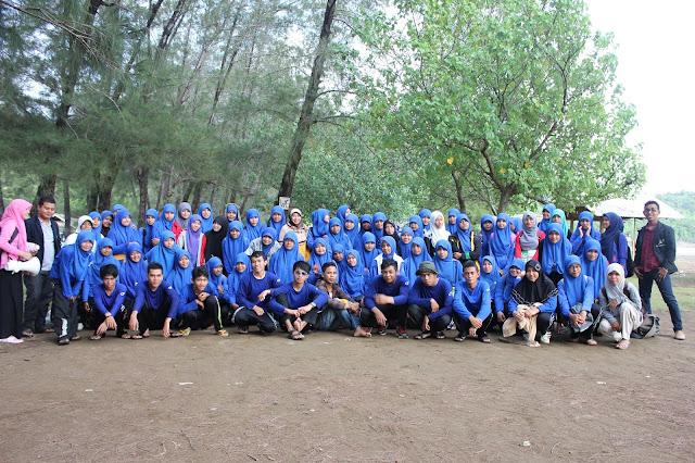 Dokumentasi Kegiatan Kuliah Lapangan Jurusan Biologi Angkatan 2012