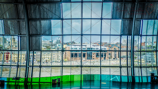 Mandy Charlton, Travel Photographer, sage gateshead, newcastle quayside, travel photography