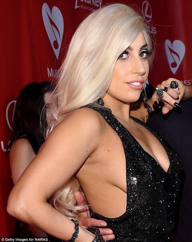 Lady Gaga Striper nackt