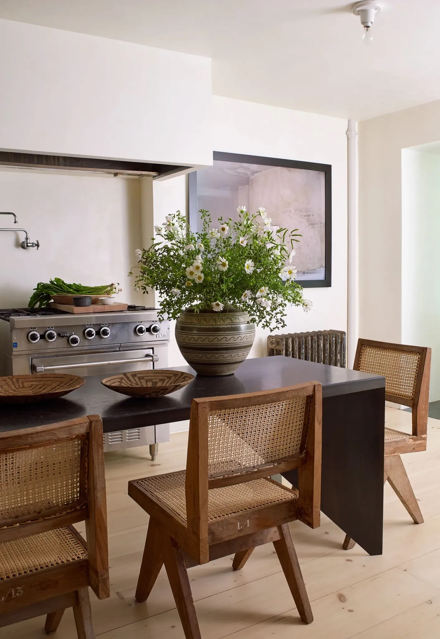Trend Alert: Kitchen Table Replacing the Kitchen Island