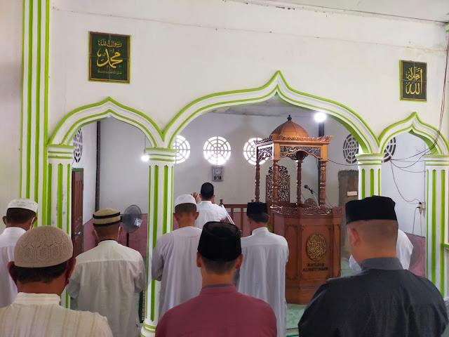 Beberapa Masjid di Lingga Melaksanakan Sholat Ghaib