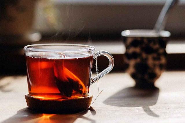 الفوائد الصحية للشاي الأسود أو أحمر وكل شيء عنه