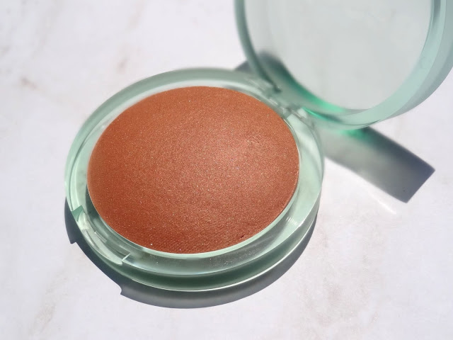 Kosas The Sun Show Baked Bronzer In Medium Review, photos, Swatches