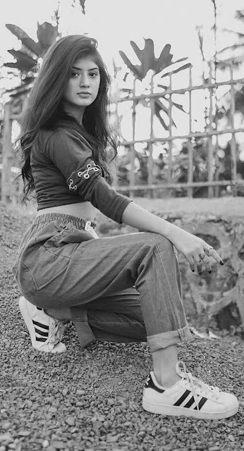 black and white wallpaper 4k beautiful girl