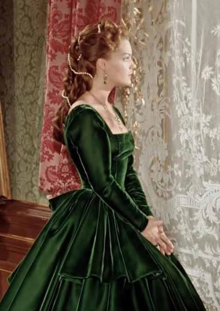 Sissi (Rommy Shineider) com vestido verde