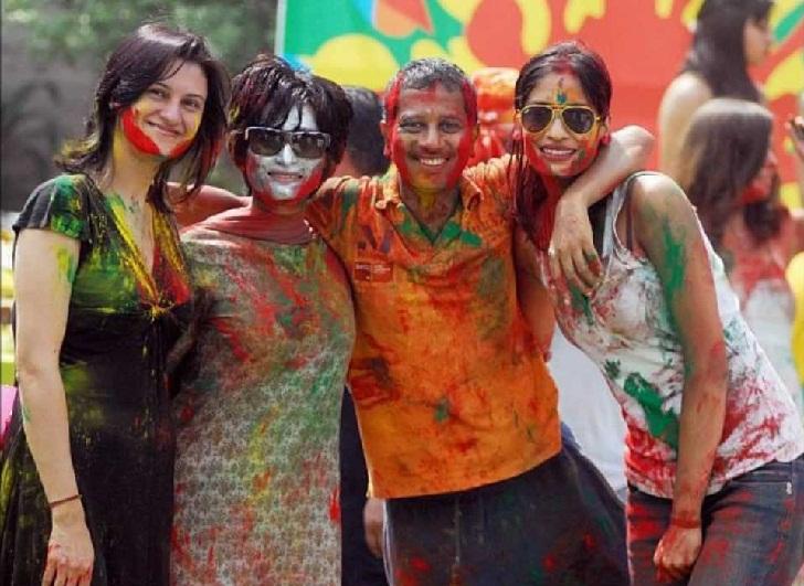 Festival Holi 2016 Pesta Warna-Warni, Hari ini Google Doodle Ikut Merayakan