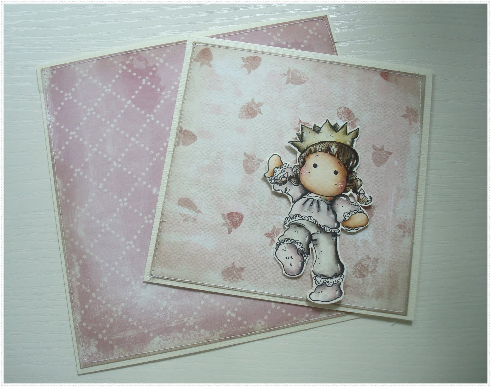 "StampARTic: Making ""shabby chic"" looking card"