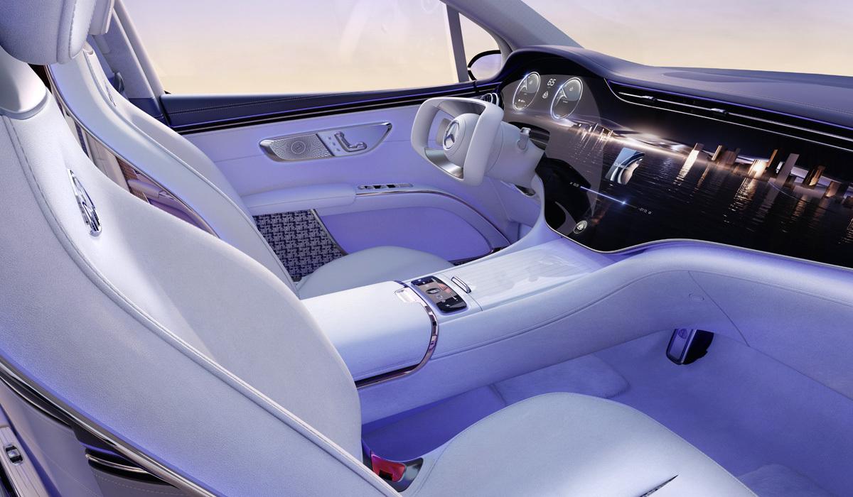 مرسيدس- مايباخ EQS الكهربائية - مقصورة القيادة