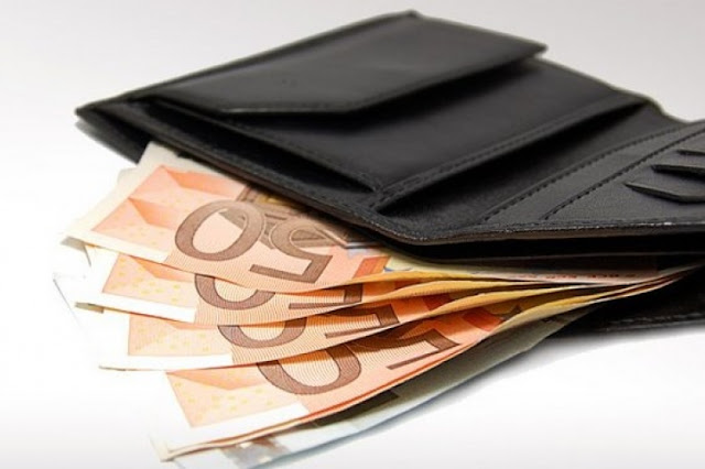 Βρέθηκε πορτοφόλι με χρήματα στο Ναύπλιο και παραδόθηκε στην αστυνομία
