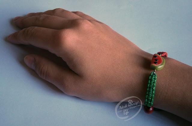 arbuzowa bransoletka DIY ze sznurków - ADzik tworzy