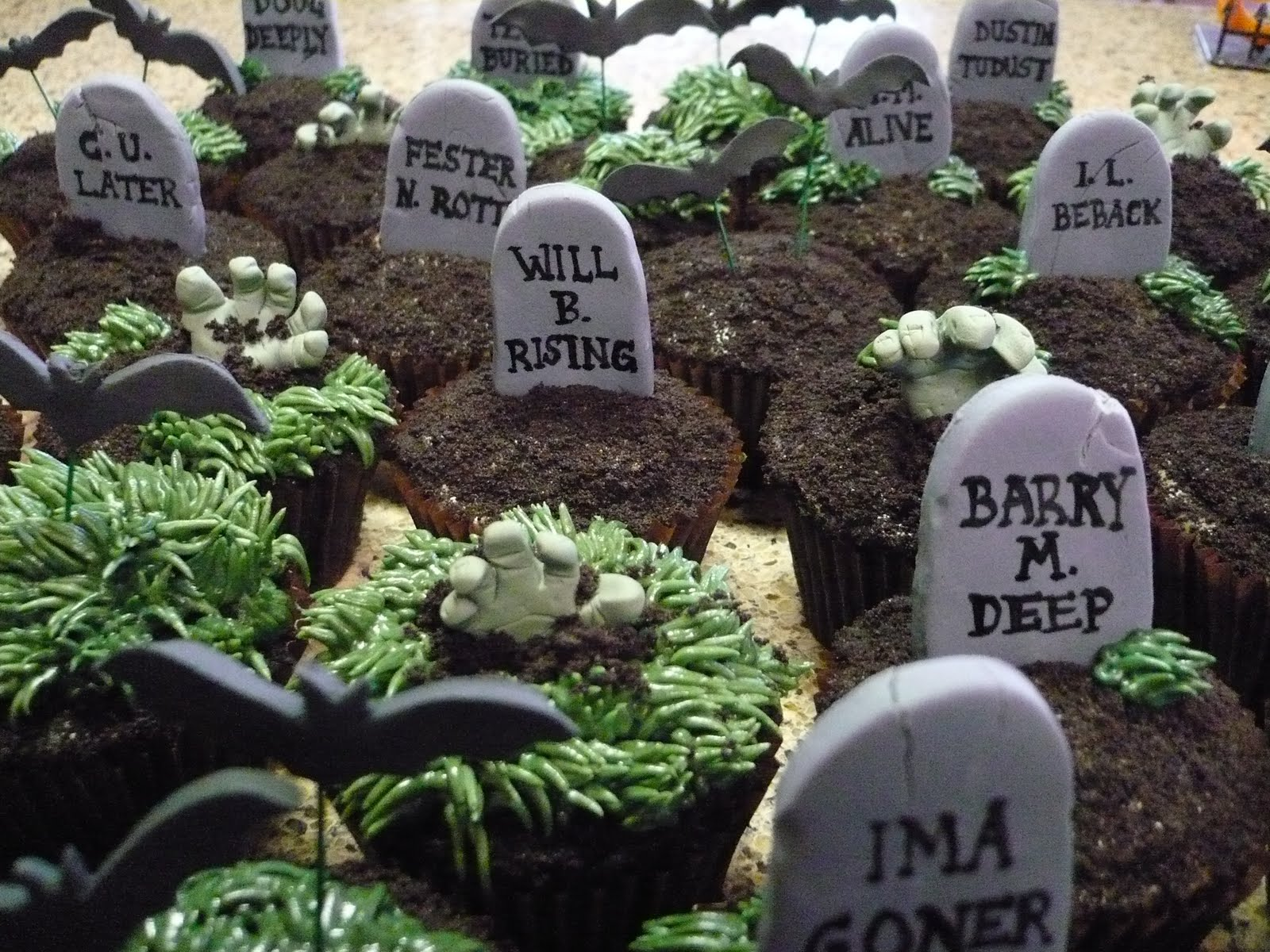 clever halloween tombstone names | hallowen