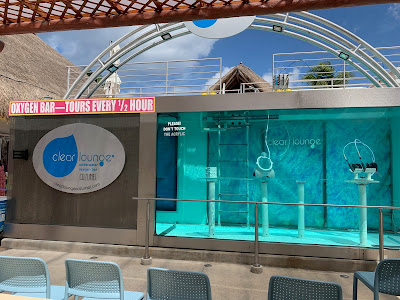 Clear Lounge Underwater Oxygen Bar in Cozumel