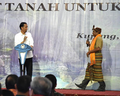 Presiden Jokowi Serahkan 2.405 Sertifikat Tanah untuk NTT