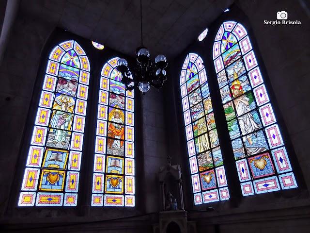 Vista dos Vitrais da Paróquia Nossa Senhora Aparecida do Ipiranga - São Paulo