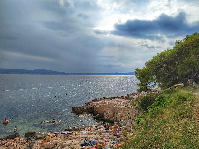 plaże w Chorwacji, Nowi Vinodolski, widok na Krk