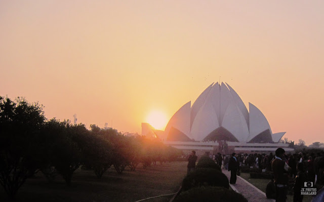 lotus temple photo sunrise delhi