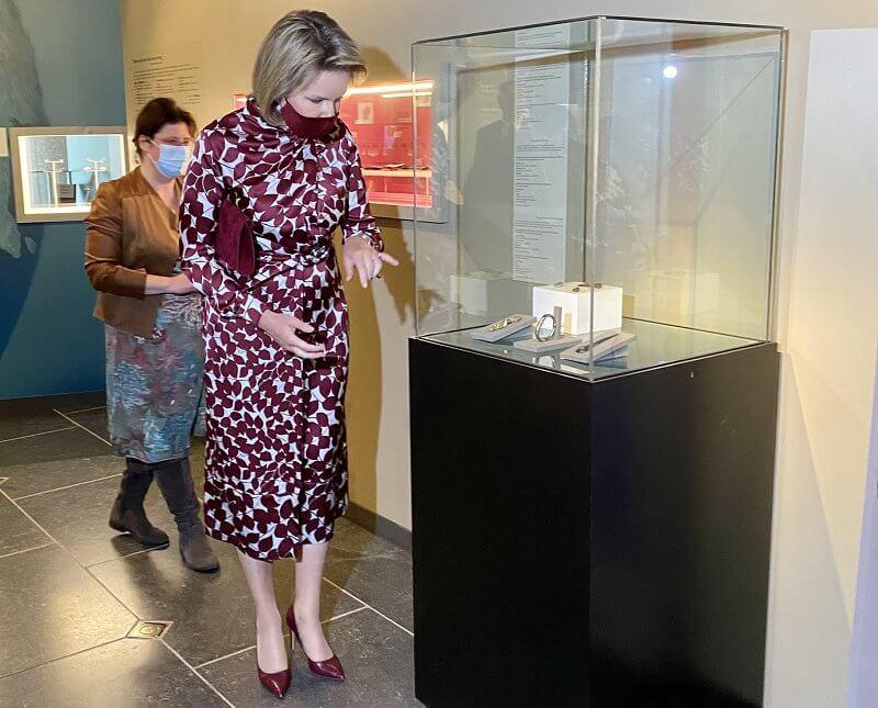 Gabriela Hearst Josefina dress. Queen Mathilde wore a silk satin dress by Gabriela Hearst