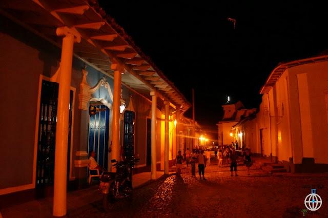 trynidad nocą