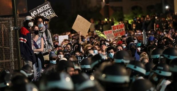Demonstrasi Menyebar di 140 Kota, China: Betapa Dalamnya Permasalahan Rasial di AS