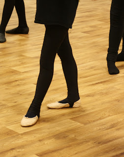 Silent-Sunday-daughter-dance-ballet