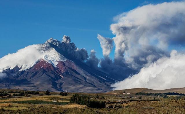 Cotopaxi, nơi tuyết ôm lấy núi lửa