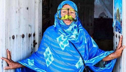 Những phụ nữ đeo mặt nạ bí ẩn ở Trung Đông 8