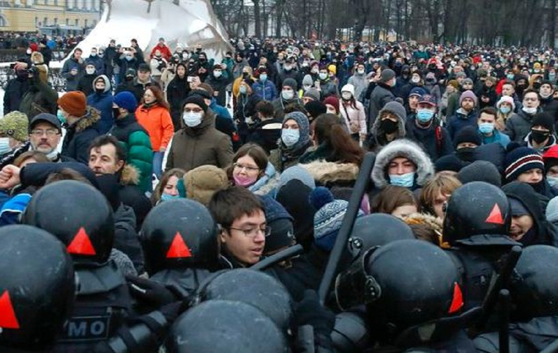 2,100 arrested at street protests demanding Alexei Navalny release