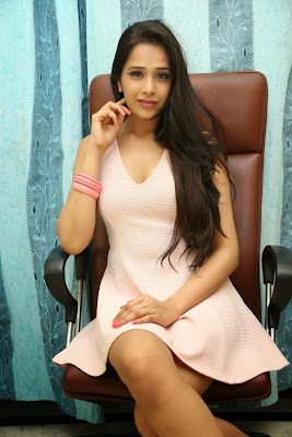 Abha+Singhal+Latest+Stills+(17) Actress Abha Singhal Spicy Photo Gallery in Skirt