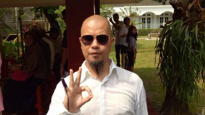 Ahmad Dhani usai nyoblos di TPS 24