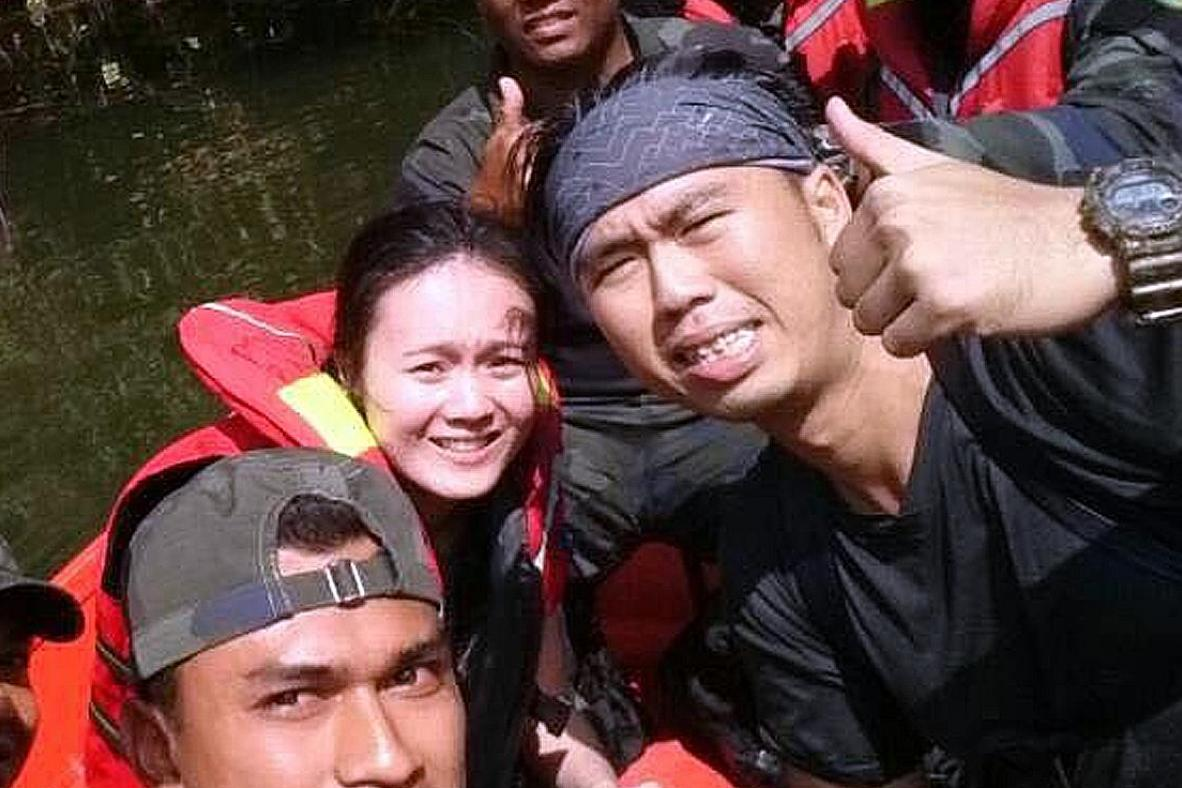 Hikers rescued in Johor: Lee Hsien Loong, Vivian Balakrishnan thank Malaysian authorities<br>In his Facebook post, Prime Minister Lee Hsien Loong said he was 'relieved' the Singaporeans had been found.