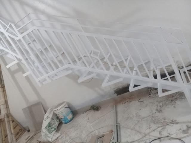 railling-tangga-besi