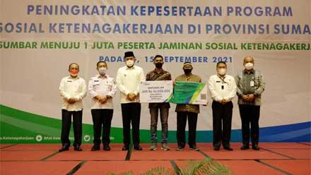 Pemko Padang Panjang Raih Penghargaan Perlindungan Pekerja Rentan