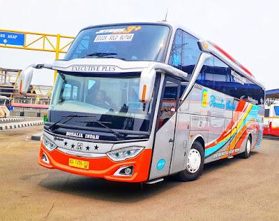 Foto Bus Rosalia Indah SHD124