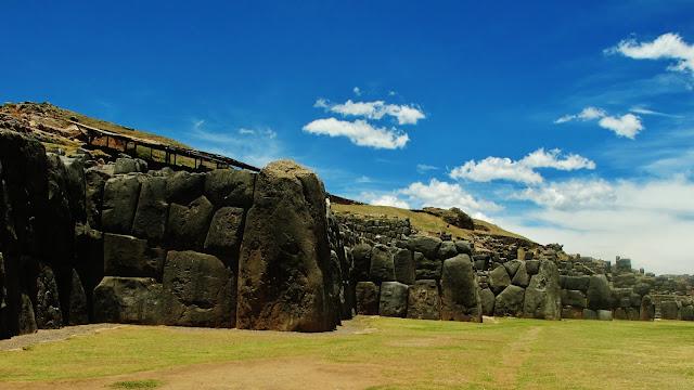 Sacsayhuamán, ruínas do antigo Império Inca, em Cusco no Peru